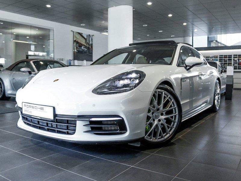 Porsche Panamera 4 E-Hybrid SLOVENSKO VOZILO