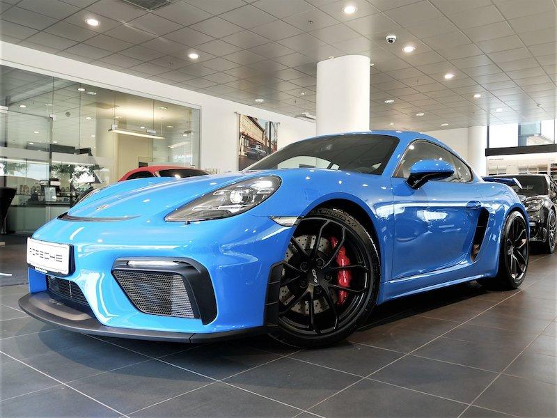 Porsche Cayman GT4 PDK