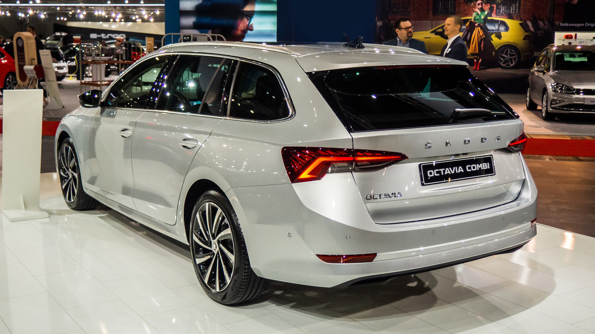 Nova Škoda Octavia 2020 (2021): tehnični podatki, cena ...