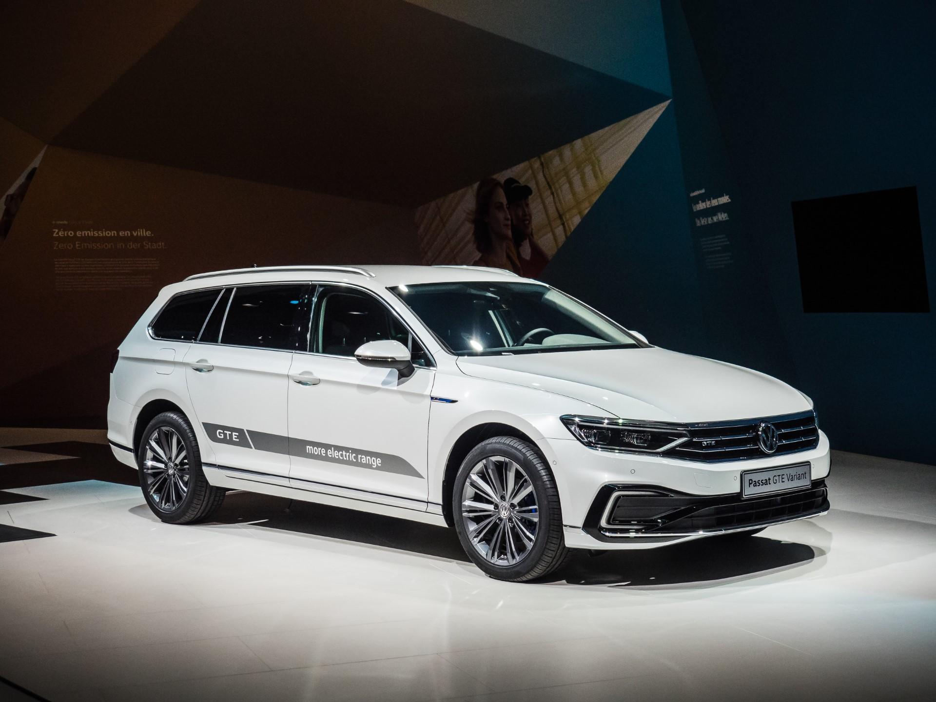 Zeneva 2019 Predstavljamo Prenovljeni Volkswagen Passat 2019 Jeseni Pri Porsche Inter Auto Porsche Inter Auto