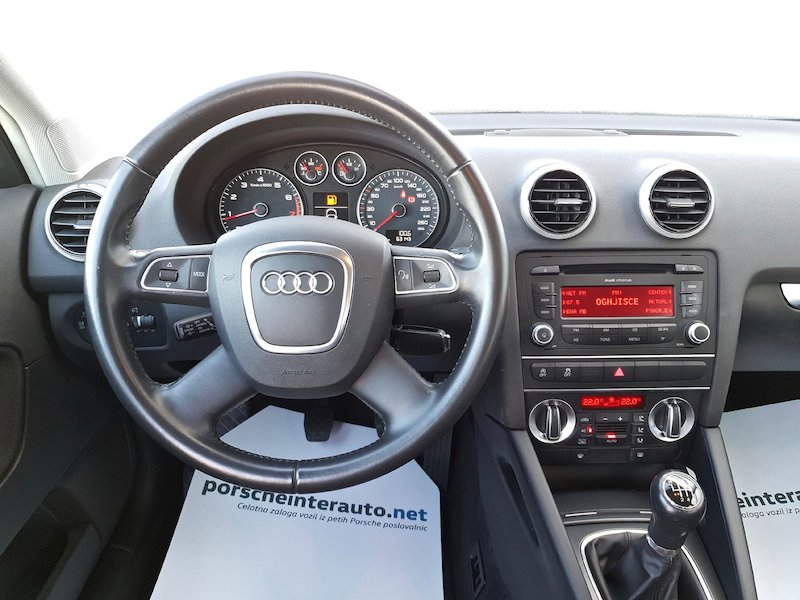 Audi A3 Sportback 1.2 TFSI Attraction12