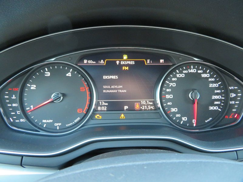 Audi A4 35 TDI S Line Limited Edition S tronic13