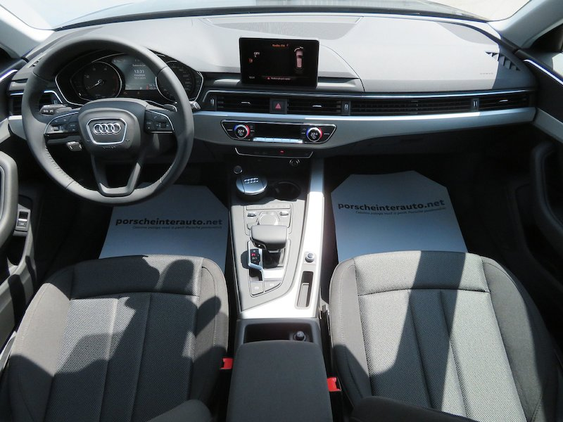 Audi A4 Avant 35 TDI S Line Limited Edition S tronic11