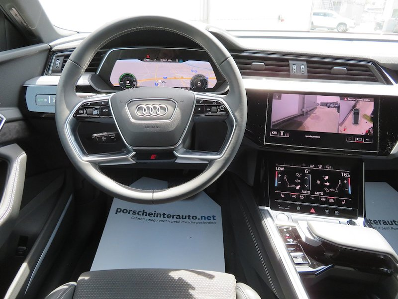 Audi e-tron 55 Advanced12