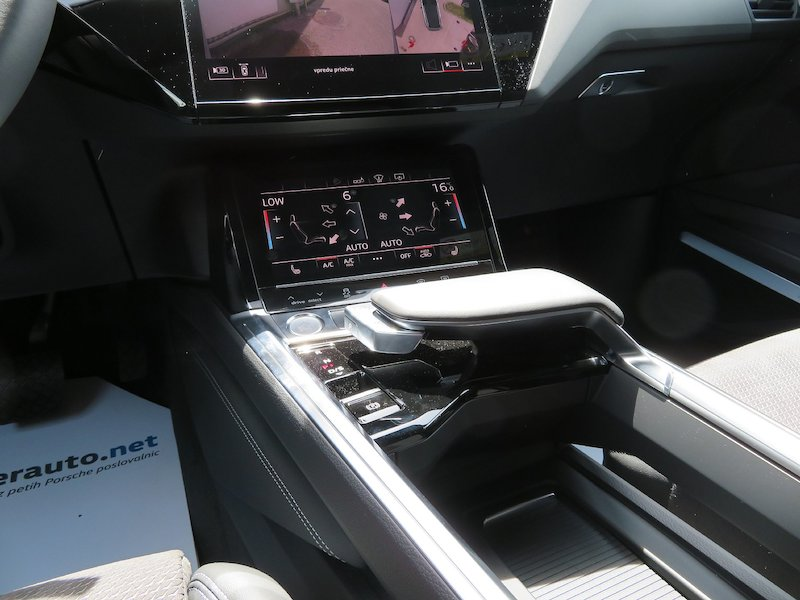Audi e-tron 55 Advanced17