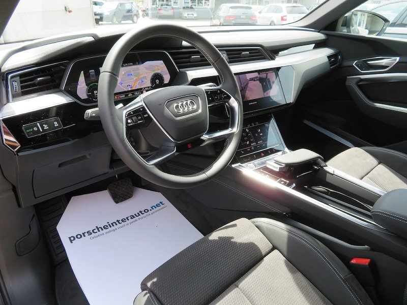Audi e-tron 55 Advanced9