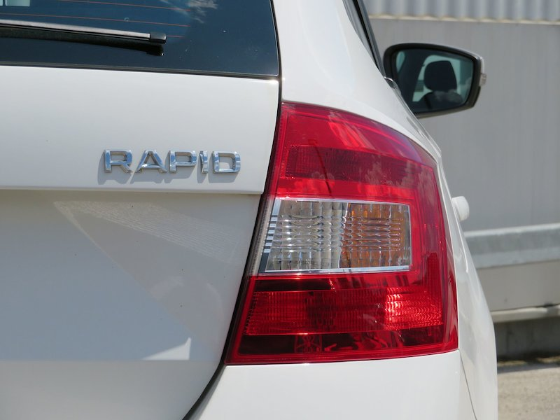 Škoda Rapid Spaceback 1.6 TDI Ambition18