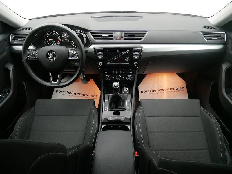 Škoda Superb Combi   2.0 TDI Greentec Business11