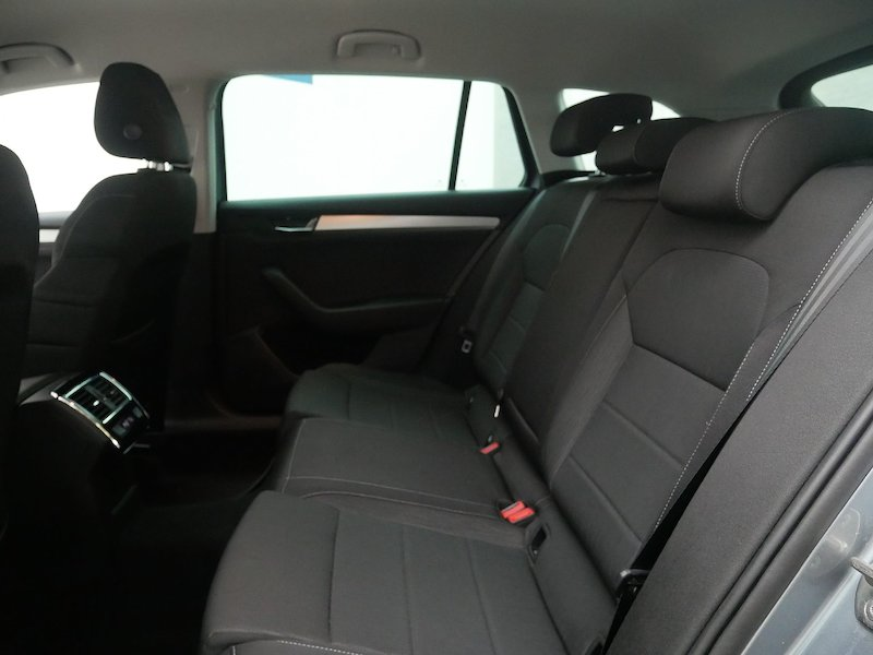 Škoda Superb Combi   2.0 TDI Greentec Business10