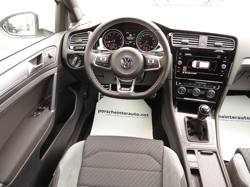 Volkswagen Golf 1.5 TSI ACT BMT R-Line Edition12