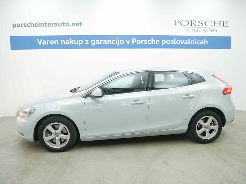 Volvo V40 D4 Momentum Geartronic3