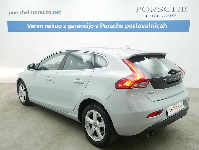 Volvo V40 D4 Momentum Geartronic4