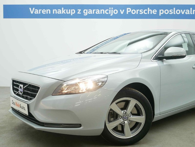 Volvo V40 D4 Momentum Geartronic5