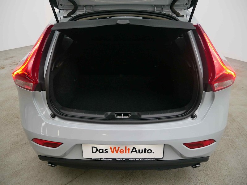 Volvo V40 D4 Momentum Geartronic7